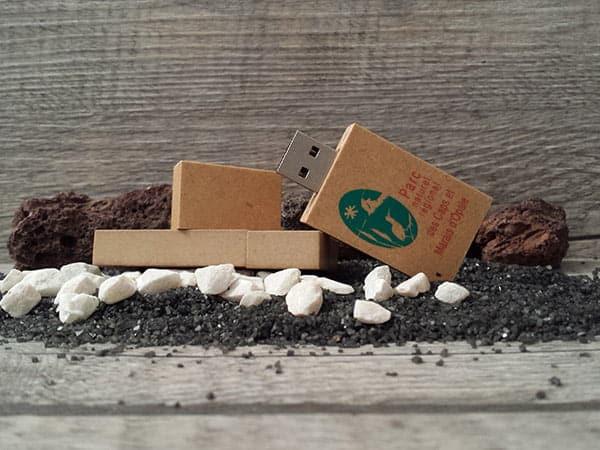 clé usb en papier recyclé personnalisable avec logo