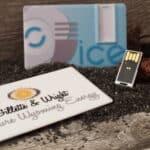 clé usb carte de crédit à mémoire coulissante