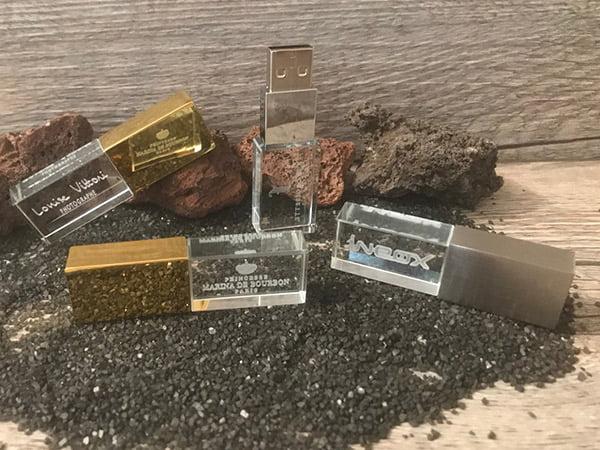 clé usb en verre et métal or à personnaliser