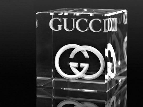 cube en verre gravure laser 2d 3d, trophée verre